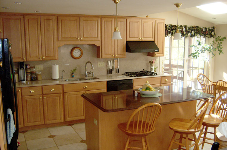 Kitchen with island 2
