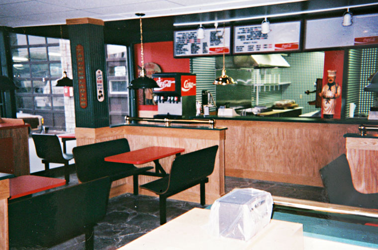 Impressive Pizza parlour front counter 760 x 503 · 107 kB · jpeg